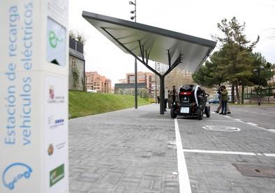 El Ayuntamiento sustituirá de manera progresiva sus vehículos municipales por otros eléctricos o híbridos