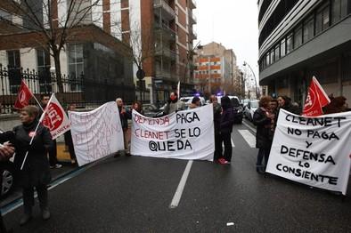 Los trabajadores de Cleanet salen de nuevo a la calle en Valladolid para exigir una solución a Defensa