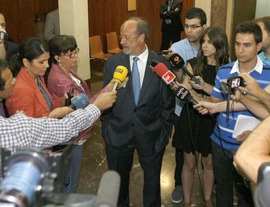 De la Riva repesca su propuesta de limitar los mandatos a dos de 5 años