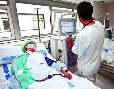 Nefrología se perfila como el primer servicio del HUBU que será unidad de gestión clínica