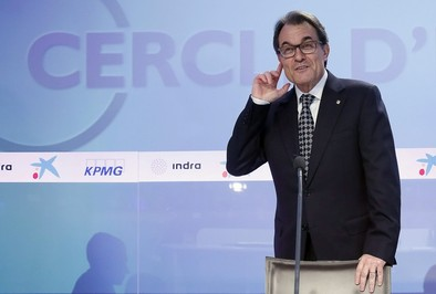 Un 'Constitucional catalán' dividido respalda la consulta independentista