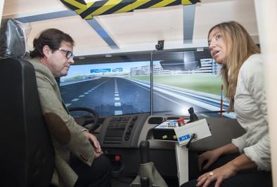Un innovador simulador forma a los operarios de Semat para conducir en situaciones de nieve