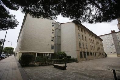 Urbanismo reparará la cubierta de 17 portales de 'Las Blancas' para evitar desprendimientos
