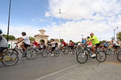 Cerca de 2.000 ciudadanos participaron en el paseo en bicicleta