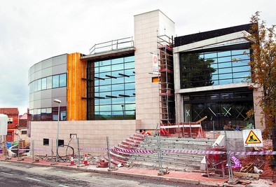 El centro de salud está listo para amueblar y poder abrir en octubre