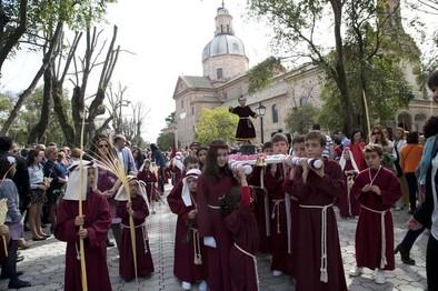 La procesión más familiar