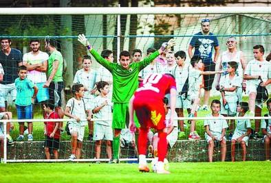 Álvaro del Val amplía su contrato con el Burgos y se va al Portugalete