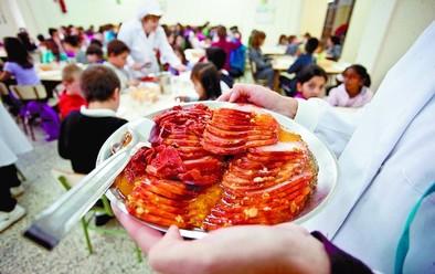El Ayuntamiento destina a becas de comedor un 10% más que el año pasado