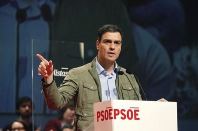 Sánchez promete una reforma fiscal que no penalizará a la clase media