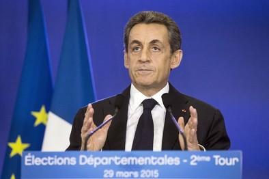 El centro derecha de Sarkozy arrasa en las elecciones departamentales francesas