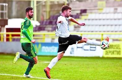 El Burgos salva su primer test
