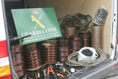 La Guardia Civil lleva ante el juez a casi noventa ladrones de cobre