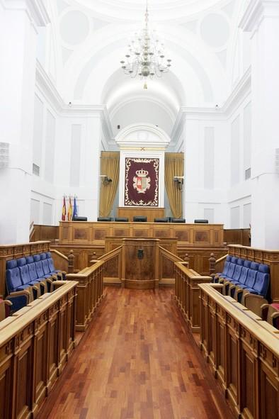 Las urnas deciden hoy la composición de las Cortes en la novena legislatura