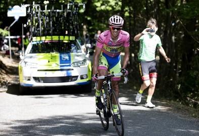 Contador estira su liderato