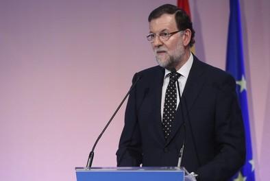 El Gobierno adelanta al 1 de julio la rebaja del IRPF prevista para 2016