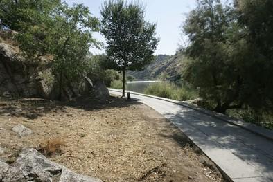 Adecentan parte de la senda como paso previo al proyecto de las riberas