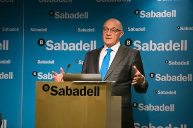 El Banco Sabadell gana 372 millones de euros en 2014, un 50% más