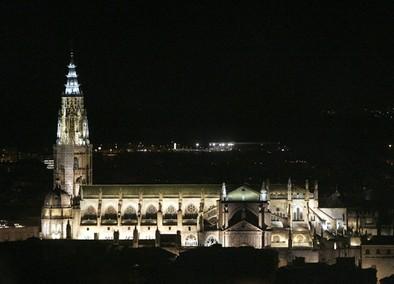 Los monumentos se iluminarán de jueves  a domingo hasta octubre