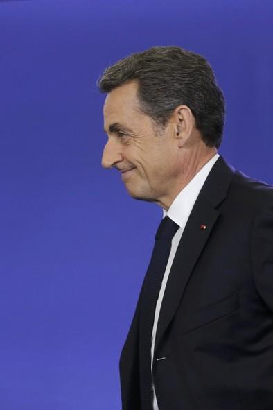 Sarkozy apunta ya al Elíseo