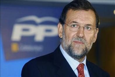 Rajoy advierte del peligro de los partidos radicales y de «inventos»