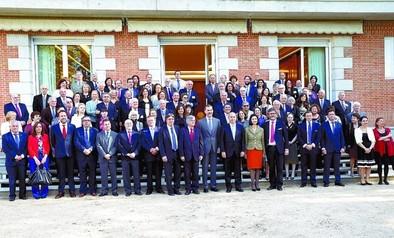 El Rey Felipe VI recibió a los asistentes a la Cumbre Erensya