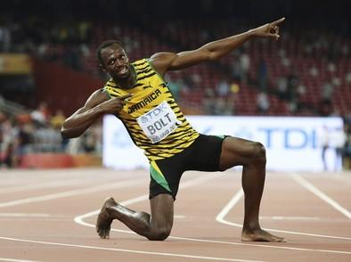 Bolt vuelve a batir a Gatlin