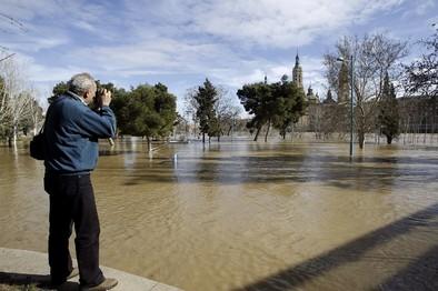 El Ebro inunda Zaragoza