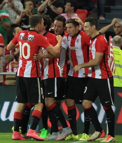 Elustondo salva al Athletic