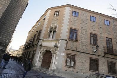 La Diputación recurre en el 'caso bombillas' por el lucro que lograron los empresarios