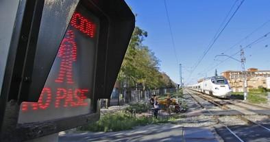 Un túnel subterráneo para peatones y coches sustituirá el paso a nivel de Pilarica