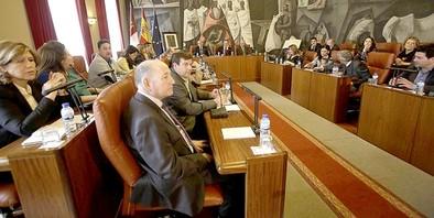 El PP se exige ganar una Diputación que el PSOE cree tener «más de cara»