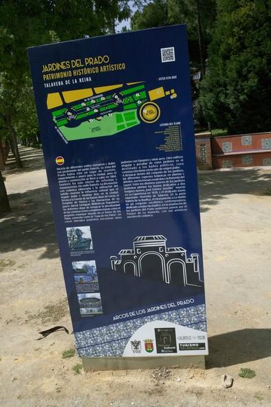 El Ayuntamiento renueva los carteles de información turística