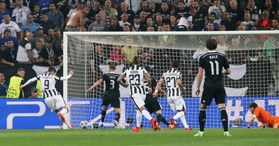 La Juventus golpea primero