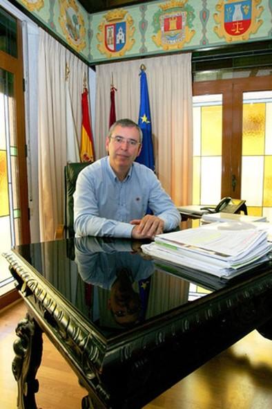 Vicente Aroca: «Nuestra prioridad es trabajar por la creación de más empleos en La Roda»