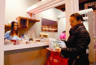 La promoción internacional del V Centenario, objetivo de Ávila en Fitur