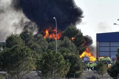 Diez muertos al estrellarse un F-16 en una base castrense de Albacete