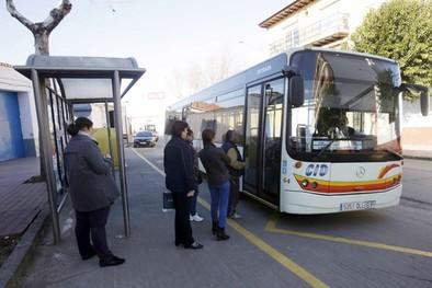 Cabezarrubias, Hinojosas y Brazatortas se quedan sin  bus regular a Puertollano