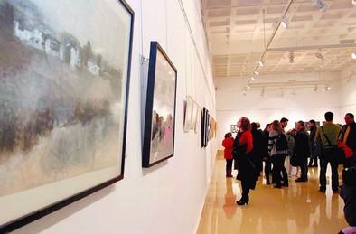Diecisiete artistas ofrecen sus dibujos en una exposición colectiva