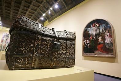 Dos siglos de reinado en español