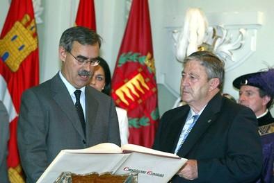 Fallece el histórico político socialista Ángel Velasco