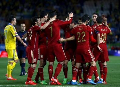 Morata da el triunfo a España