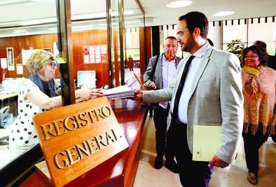 La oposición recurre 12 puntos de la 'ley mordaza' ante el Constitucional