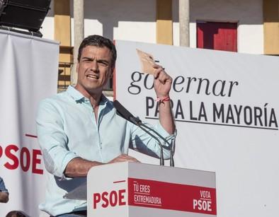 Sánchez ataca a 'amiguitos del alma'