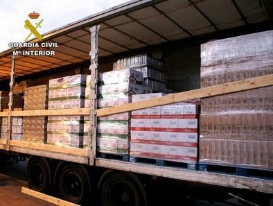Nueve detenidos y nueve imputados por más de 30 robos de mercancías de camiones en siete provincias