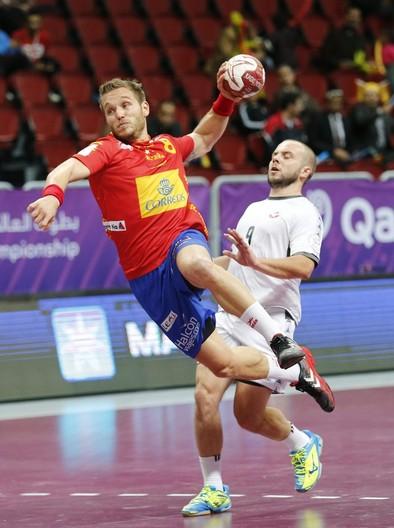 España disputa hoy una final anticipada frente a Dinamarca