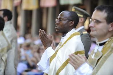 El Estado obligará a 'fichar' a los cofrades y sacerdotes