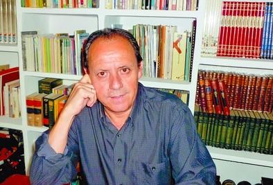 Juan Alberto Sáez hilvana historias de amor con una poesía para ser escuchada