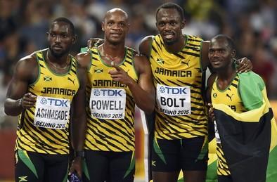 Bolt completa el triplete