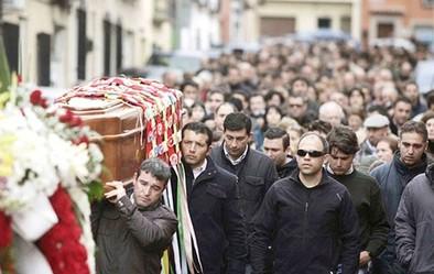 Piden 29 años de cárcel para cada acusado por el asesinato de un joven en El Carpio