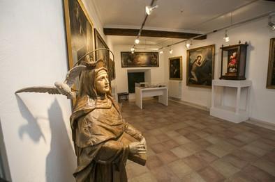 Las Carmelitas se sirven del arte para acercar la figura de Santa Teresa
